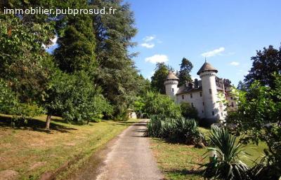 Location vacances château Vallée du Rhône
